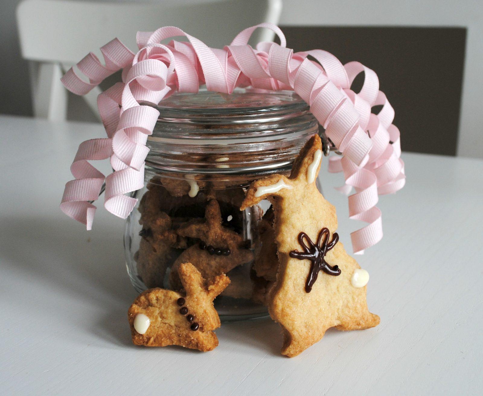 Easy Crunchy Shortbread Bunny Biscuits