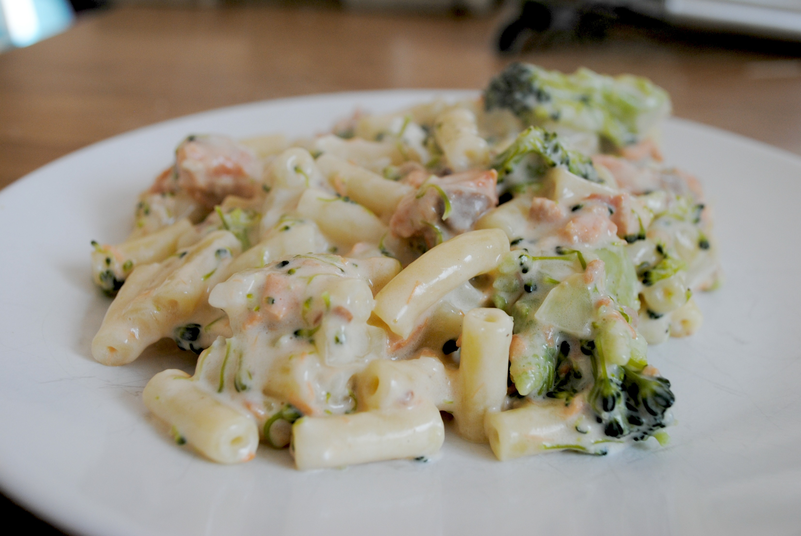 Cow Dairy-Free Salmon and Broccoli Pasta