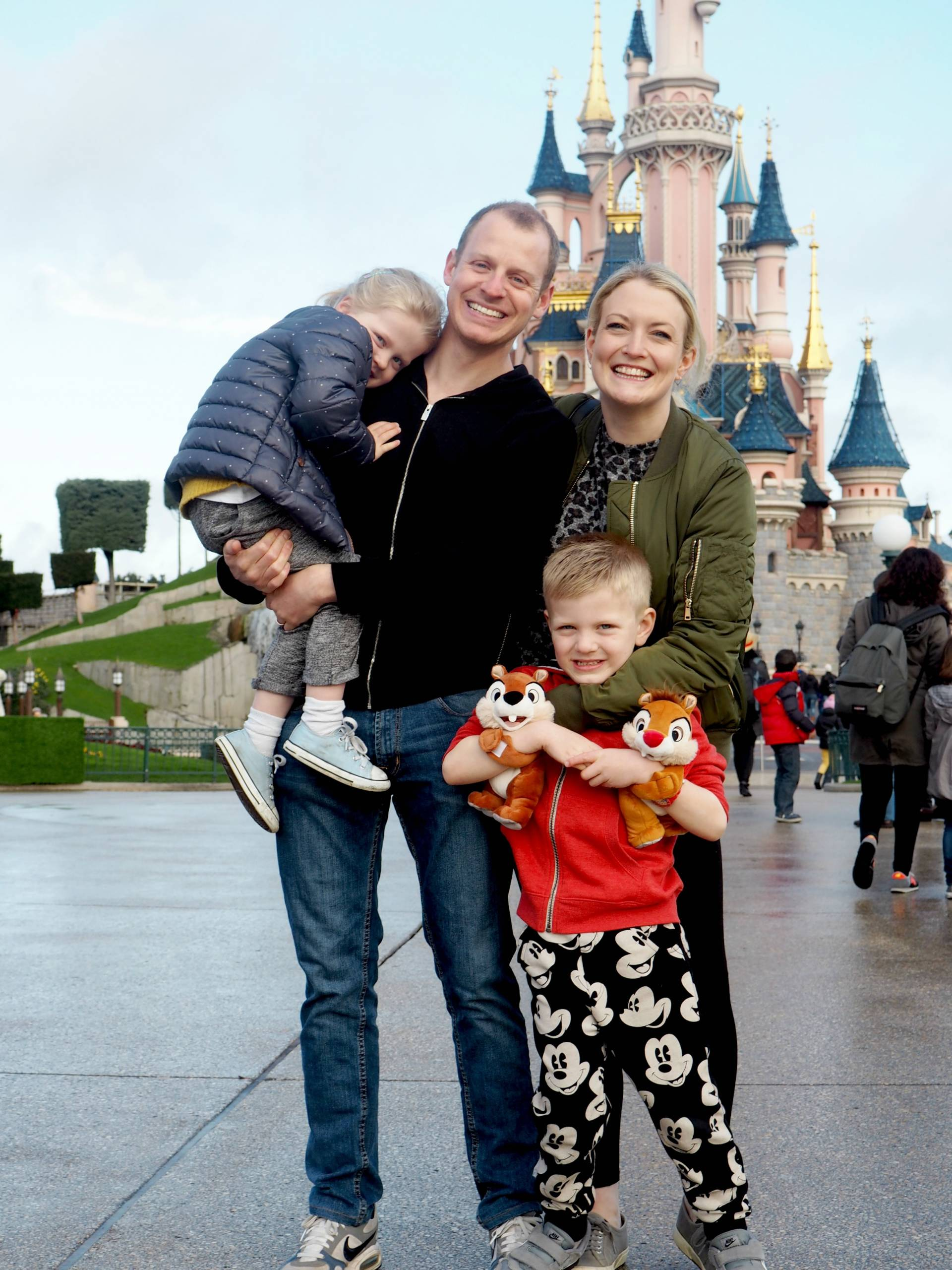 Our Trip to Disneyland Paris Easter 2016 – Part 1