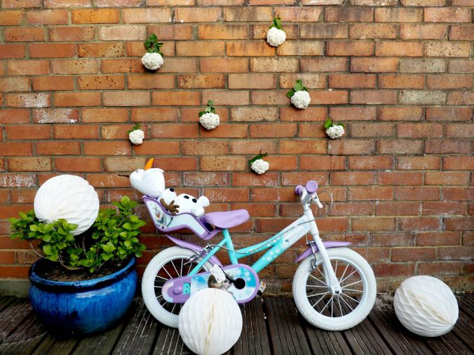 Getting #WheelyCreative with George at Asda, and WIN a 14 inch Disney Frozen Bike