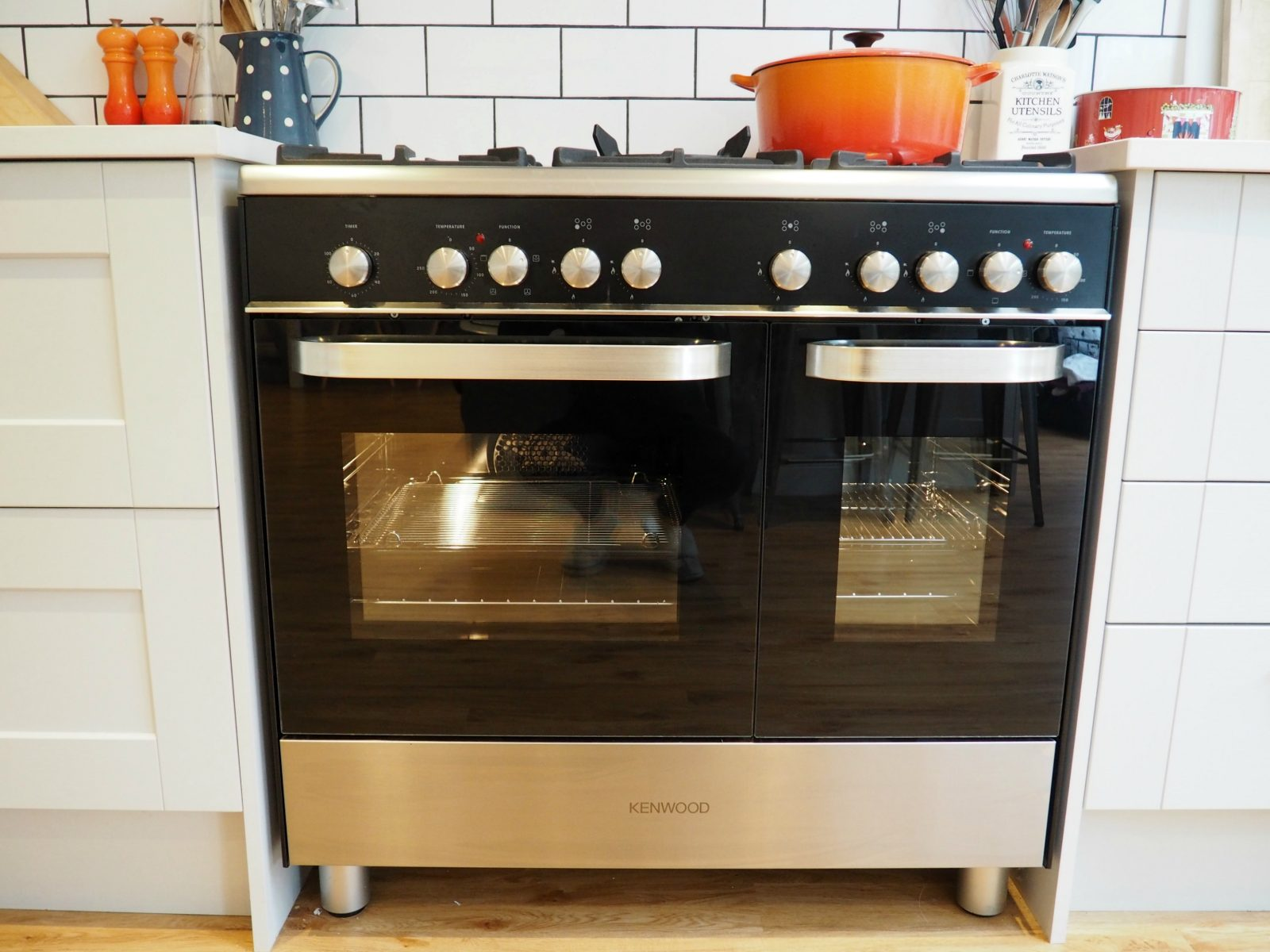 Fantastic Oven Cleaning with Fantastic Services