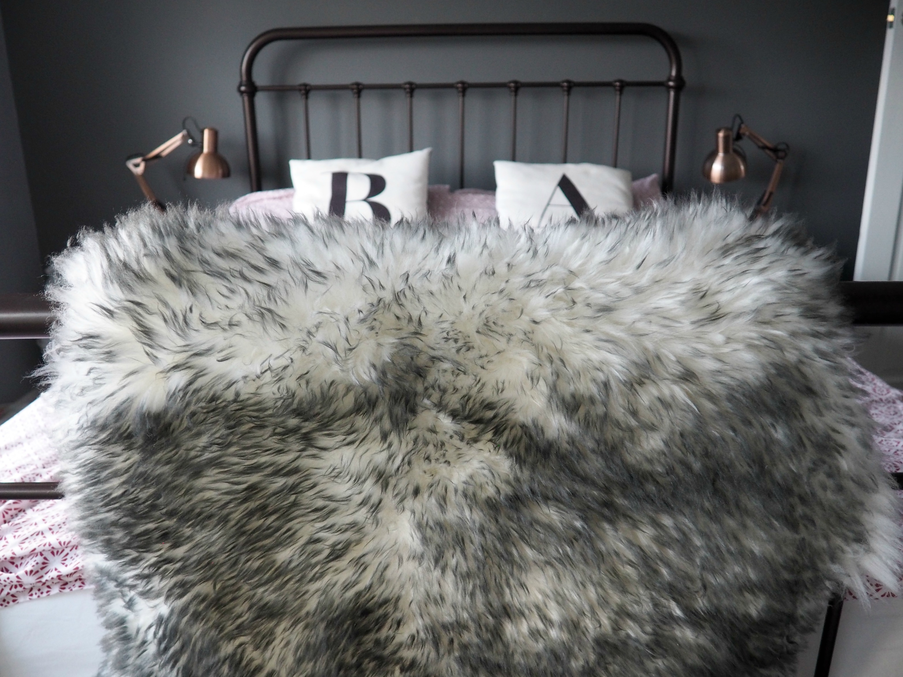 Frith rugs Australian sheep skin rug