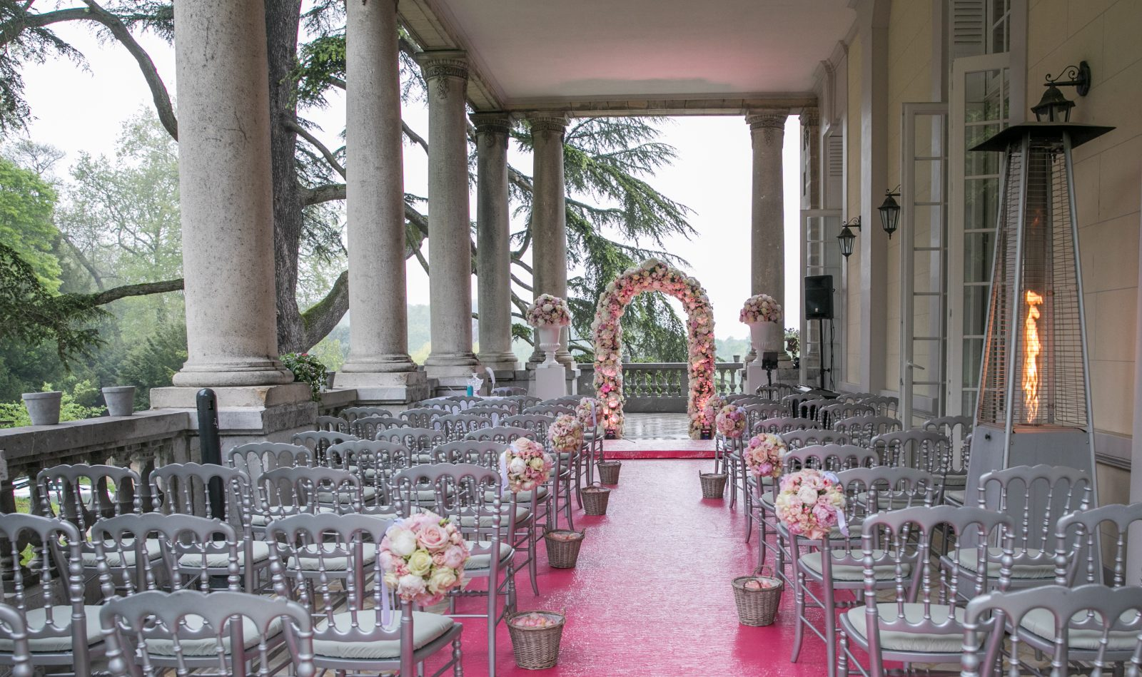 Seasonal twists to make your chateau wedding extra special