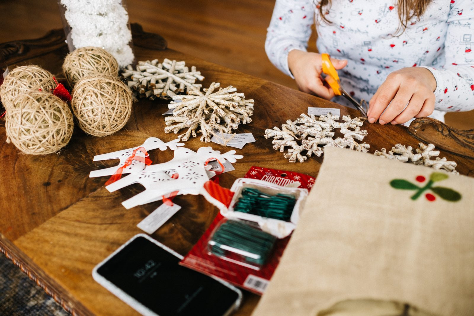 5 Ways to get the kids involved with Christmas Crafts