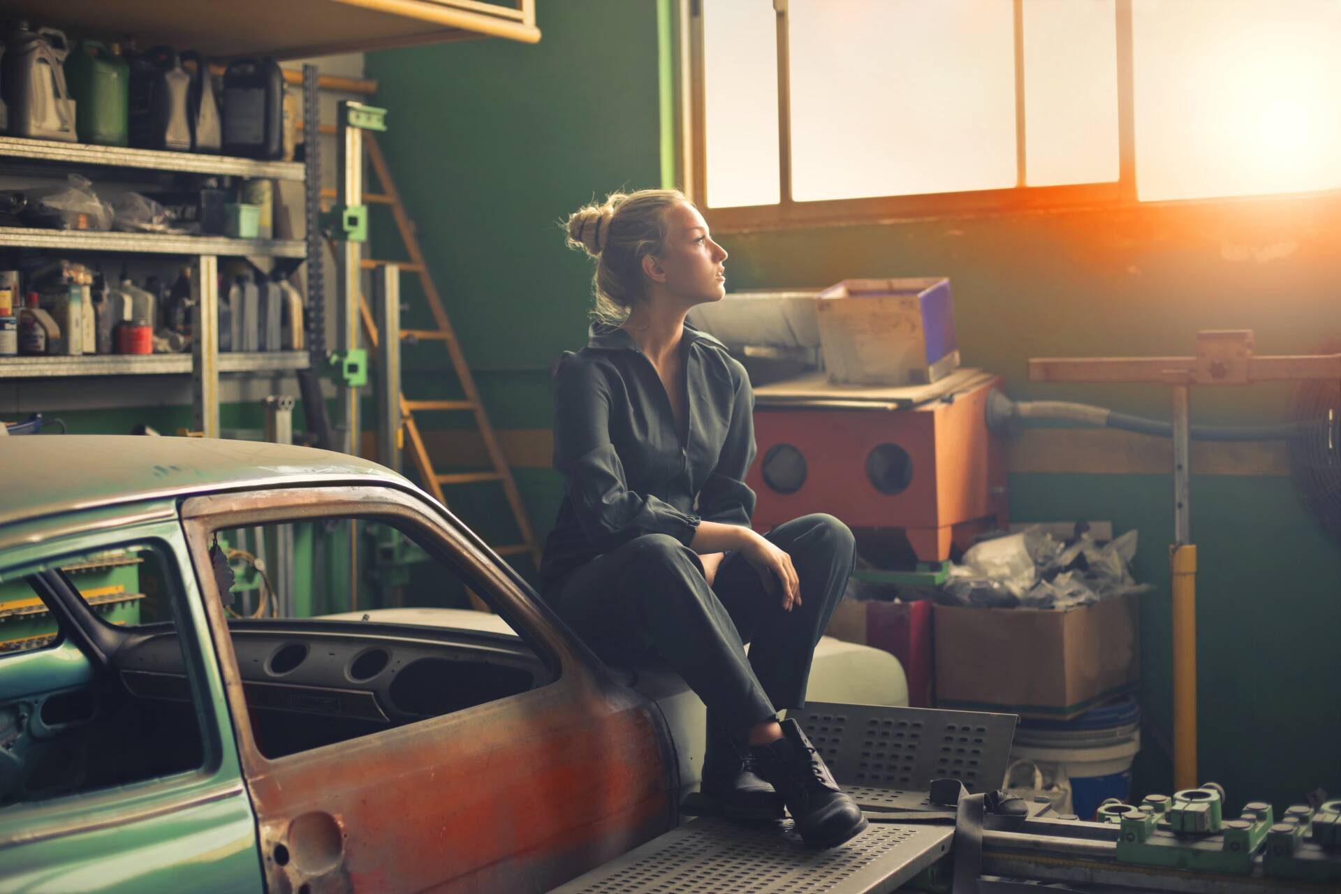 Genius Hacks For Sorting Out Your Messy Garage