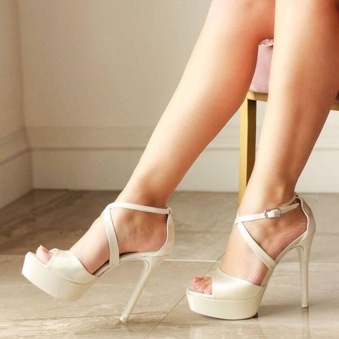Verna bridal shoe