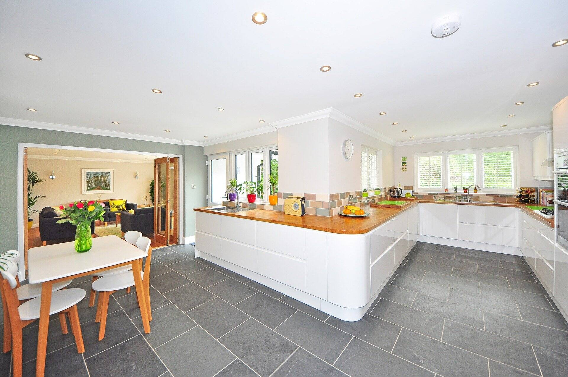 Making Smart Savings On Your New Kitchen